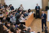 Moldovan parliament speaker meets students to disc