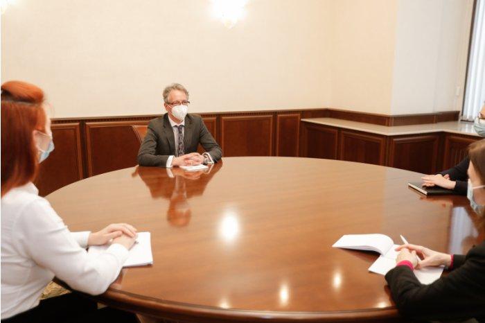 MOLDPRES News Agency - Președintele Maia Sandu a discutat cu Claus Neukirch,  șeful Misiunii OSCE în Republica Moldova