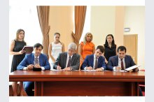 Moldovan cabinet signs pre-contract on sale of new stocks of commercial bank'