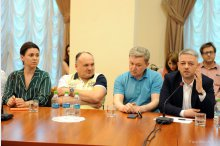 Moldovan PM, media representatives discuss ensuring work of free, independent press'