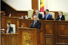 The parliament convened into a plenary meeting'