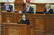 Parliament holds plenary meeting '