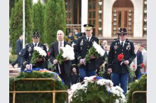 Country officials, veterans, residents and guests of the capital commemorated the heroes fallen in World War II'