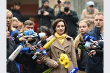 "Moldovan Socialists' leader votes ""for Moldova's future""'"